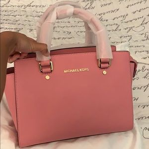 Michael Kors pink purse